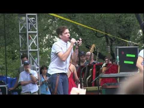 """Fun.- """"Walking the Dog"""" Live (720p HD) at Lollapalooza on August 5, 2012"""