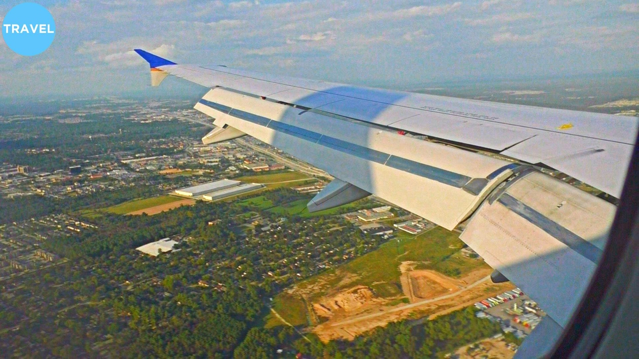 United Airlines Airbus A320 Landing At Houston