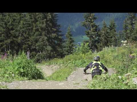 Lose it in Schladming with Leo Jaegle - Downhill
