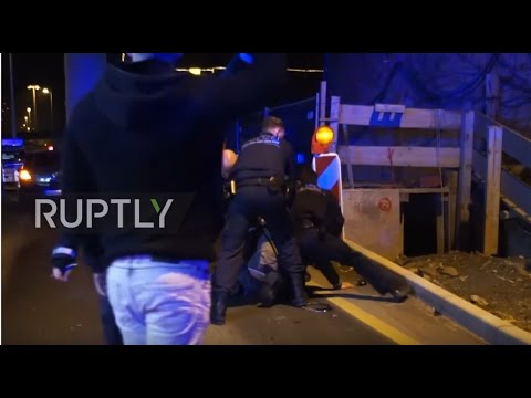 Germany: Police violently attack car crash victim for smoking cigarette