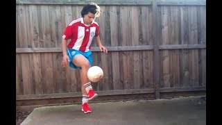 Lelo Sejean – Guinness World Record Attempt: Most one leg football juggles in 60 Seconds