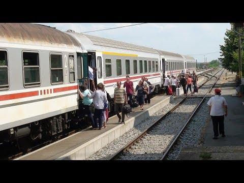 Brzi Vlak Linije 702 S Lokomotivom 2044015 U Slatini Video Youtube