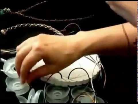 видео: Как просто научиться плести на диске Кумихимо