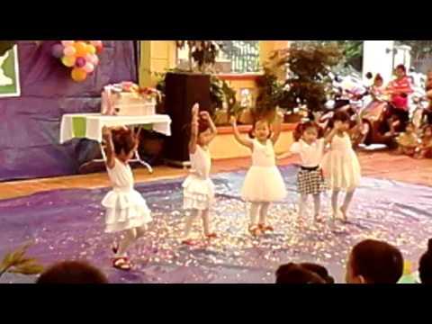 múa cả nhà cùng vui . các cháu 4 tuổi trường mẫu giáo Nhã lộng . pb. TN