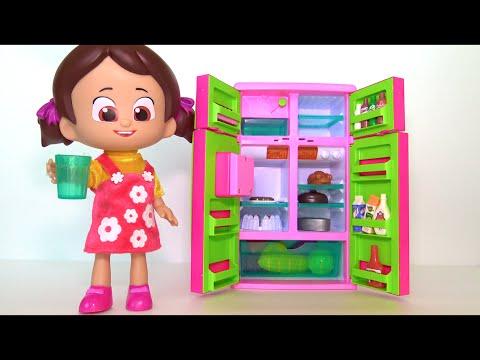 Niloya'nın buzdolabında neler var? Niloya Buzdolabından Pepee ve Mete'ye yemek veriyor 4K