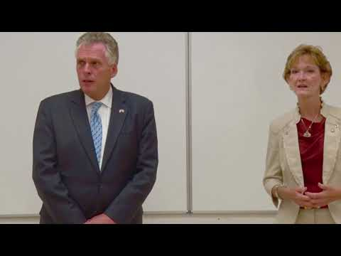 Governor Terry McAuliffe visits Pulaski County High School Cyber Security Camp