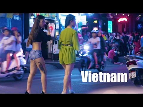 Vietnam Nightlife 2017  Vlog 143 bars, cheap beer, girls