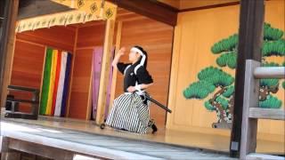 2015年10月25日、「幕末維新祭り」で世田谷松陰神社神楽殿で行われた剣...