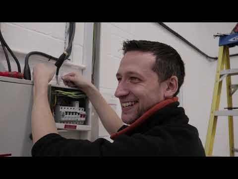 HOW TO strip cable + fitting sockets at GoBobs Industrial Unit | Thomas Nagy