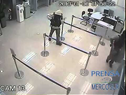 Robo en Banco Visión de Campo 9 Explosión C4 Dr. Juan Eulogio Estigarribia Paraguay Asalto