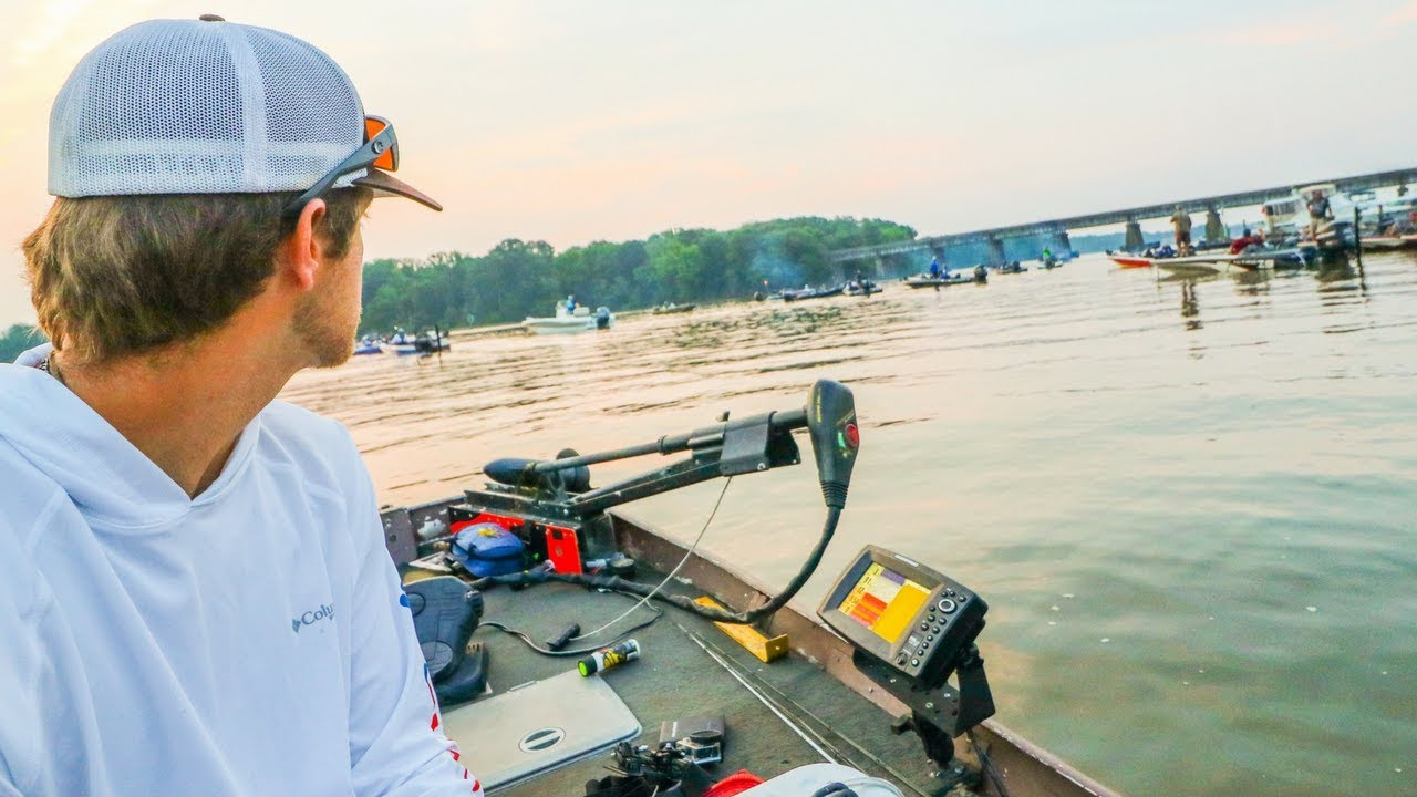 12' Jon Boat Vs  EXPENSIVE Bass Boats In HUGE Bass Fishing Tournament