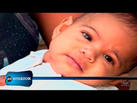 Policial Auxilia Mãe E Consegue Salvar Criança Engasgada Com Leite