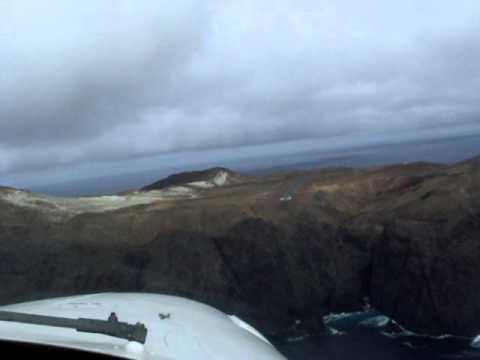Aterrizaje de vuelo a Isla Robinson Crusoe -  Archipielago Juan Fernández