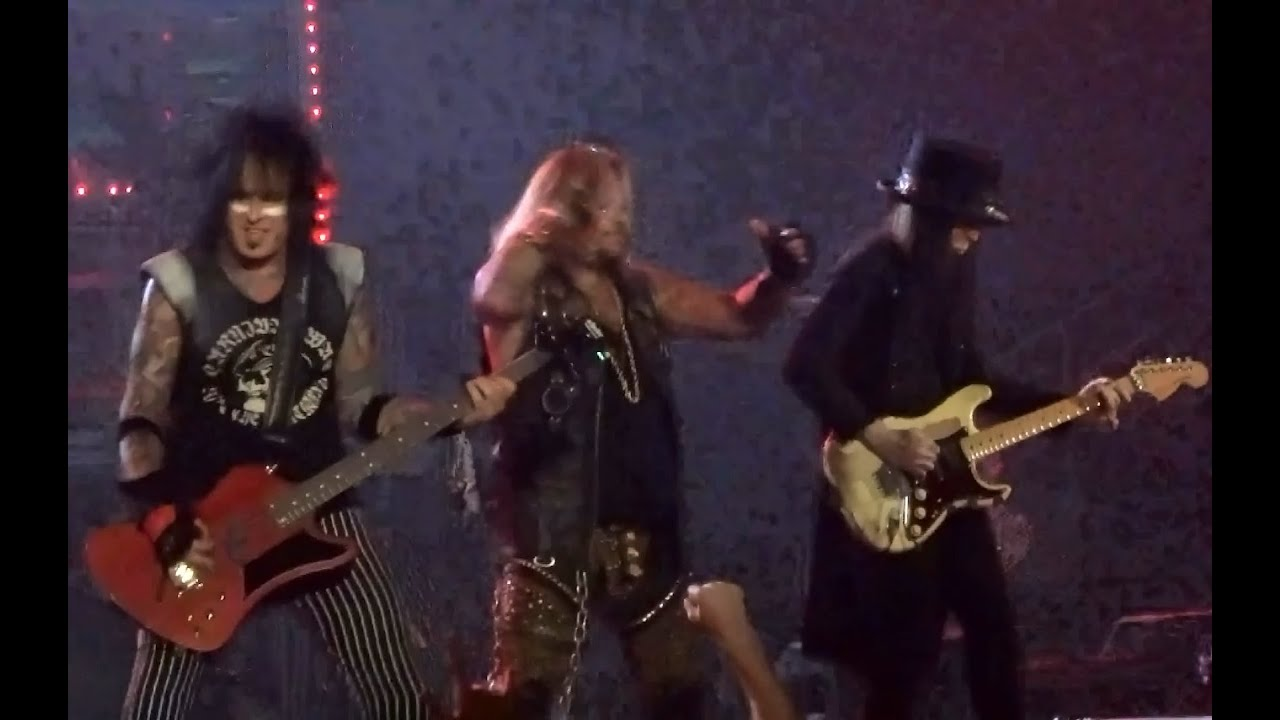 Motley Crue - Dr. Feelgood - Live on The Final Tour 10/22 ... | 1717 x 1080 jpeg 119kB