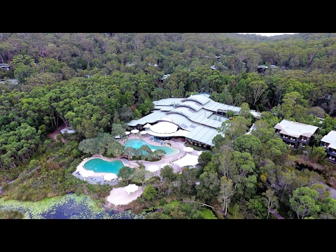 Around Kingfisher Bay Resort Hotel. Fraser Island - Остров Фрейзер, отель Kingfisher Bay 4K