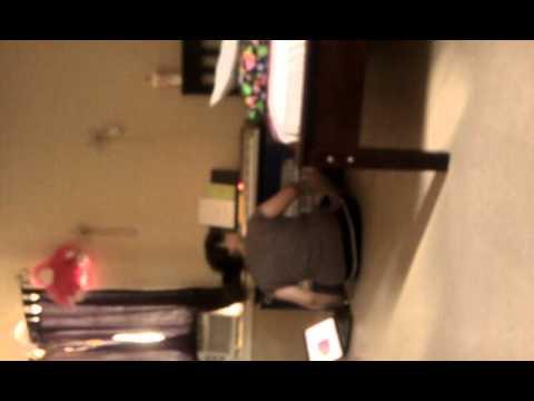 Sabrina singing Price Tag ;)