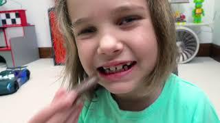 Катя и Макс их развлечения со снегом