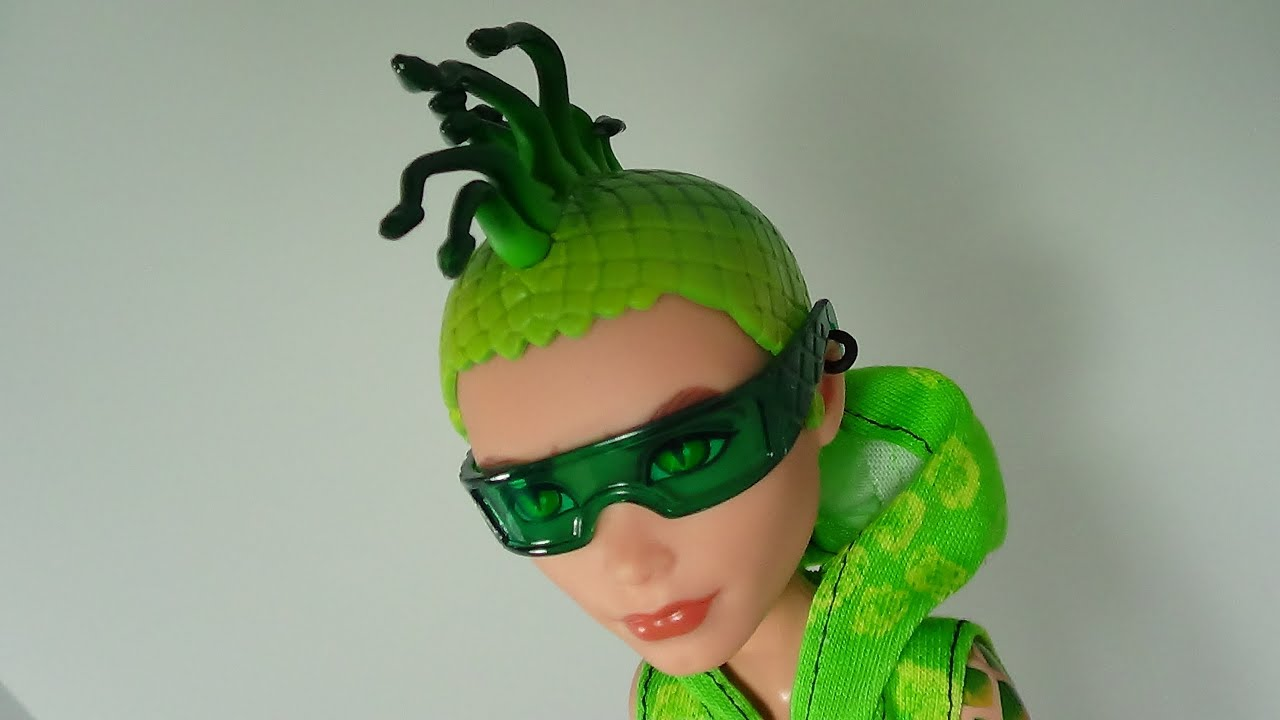 Monster high scaris city of frights deuce gorgon review - Monster high deuce gorgon ...
