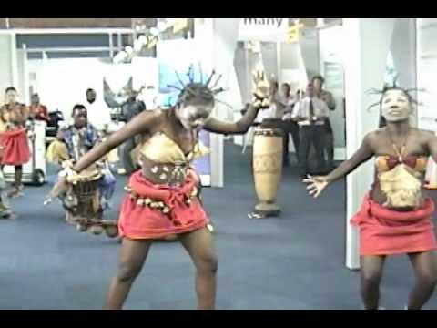 Vivalda Dula & Kielela: Angolan Dance and Druming
