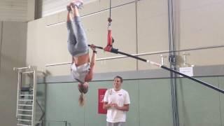 Stabhochsprung Training: Aufroller am elastischen Stab