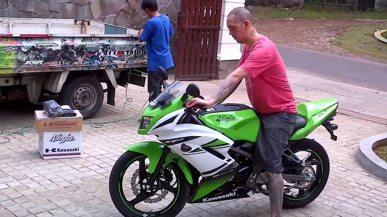 Kawasaki Ninja RR SE 150 2014 new - YouTube
