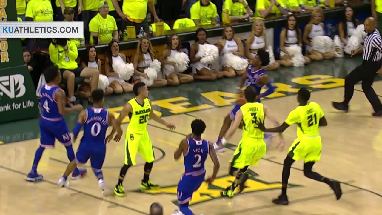College basketball: No. 3 Kansas prevails at No. 1 Baylor