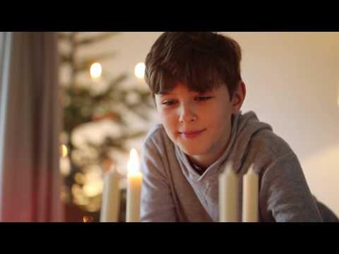 luna-advent-set-mit-12-stabkerzen-und-pinienzapfen-|-hongler-kerzen