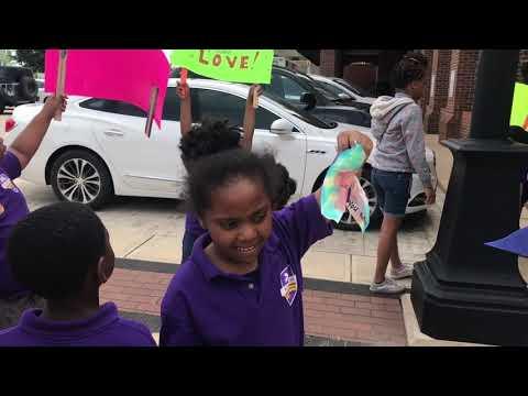 Robertson Charter School 1st Graders Celebrate Charter School Week by Spreading Cheer