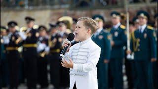 6 летний СОЛДАТ идёт ПО ГОРОДУ!Сводный Оркестр 700 музыкантов! Арслан Сибгатуллин!