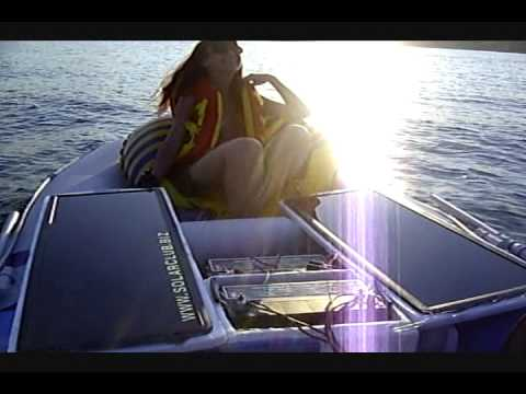 Electric boat with two electric motors. Solar powered. 210Amh battery pack