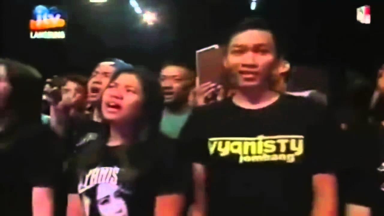 VIA VALLEN - KU TAK BISA Dangdut Koplo OM Menara Live JTV Surabaya ...