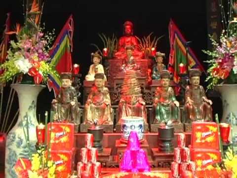 Trình diễn Lên Đồng tại trung tâm VH Pháp2