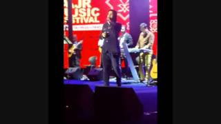دکلمه قرصای خواب آور محسن یگانه در کنسرت