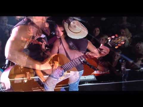 Kenny Chesney~Old Blue Chair~Live