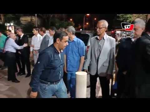 عبد الناصر زيدان وسمير عثمان ومحمد سيف يواسون أسرة لاعب الزمالك السابق  - 01:21-2018 / 6 / 30
