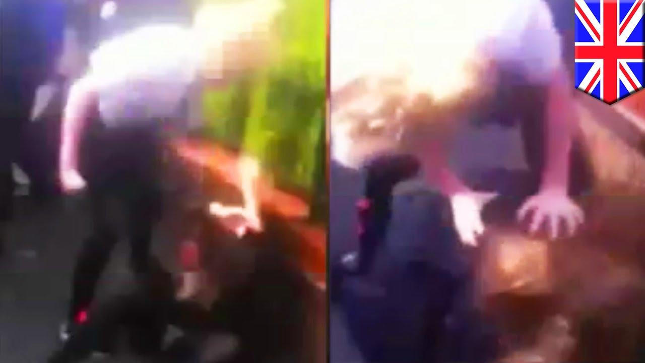 Одноклассницы издеваются и раздевают подругу смотреть онлайн фото 580-602