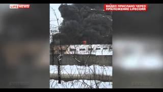 В Екатеринбурге на территории шинного завода горит склад игрушек(, 2016-03-06T13:03:39.000Z)