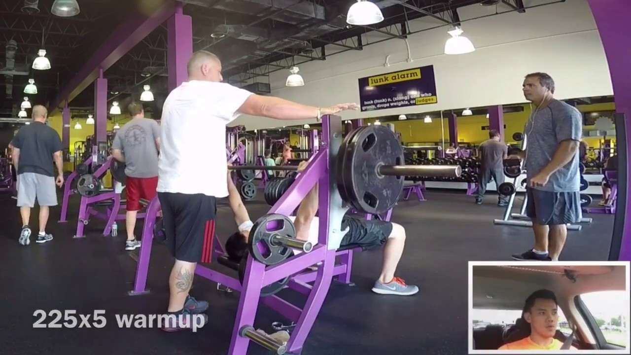 lunk d planet fitness for 400lb paused bench press 152 bodyweight