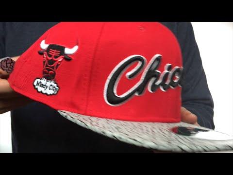 870468724ba Bulls  RETRO-SCRIPT STRAPBACK  Red-Elephant Hat by Pro Standard ...