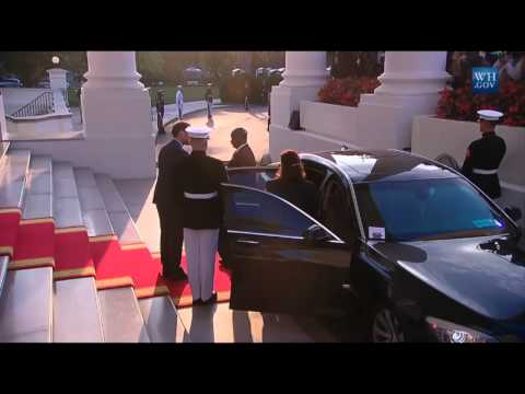Uganda President Yoweri Museveni arrives at the White House Diner