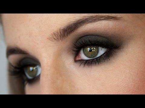 maquillaje ojo ahumado clsico negrolabios rosas narsissit palette