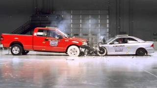 Ford F150 and Honda Civic frontal crash test by IIHS