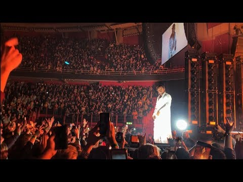 Kendrick Lamar - HUMBLE. ENTIRE ARENA RAPS FOR HIM (LIVE 2018)