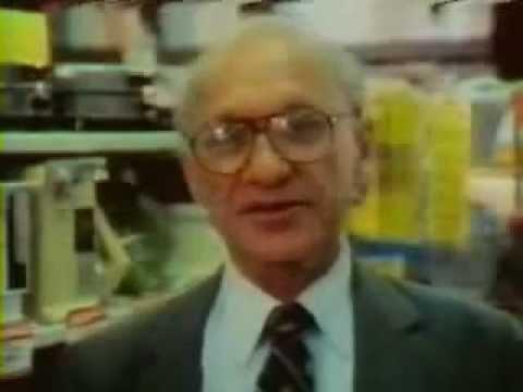 ¿Quién protege al consumidor?   Milton Friedman - Libre para elegir