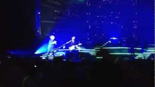 Matchbox Twenty- Put Your Hands Up (Live)