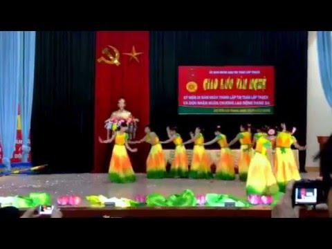 CLB Văn Sơn -Lập Thạch múa Hương Sen Dâng Bác 2