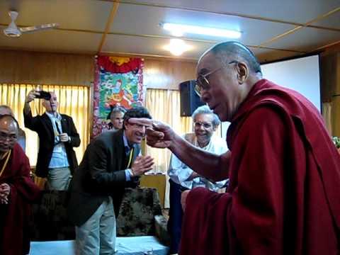 HH Dalai Lama Meeting Entrance India 2010.mov