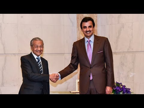 Qatar's Emir and Malaysia's PM hold talks