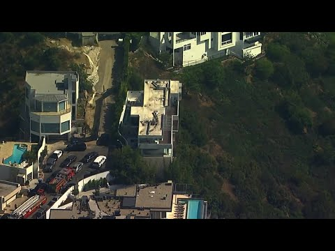 Raw: Sheriff's detectives serve search warrant at rapper YG's house in Hollywood Hills | ABC7 Mp3