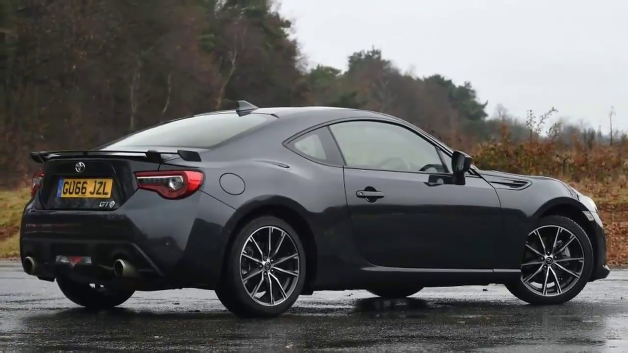 hot toyota gt 86 review video 141 youtube. Black Bedroom Furniture Sets. Home Design Ideas